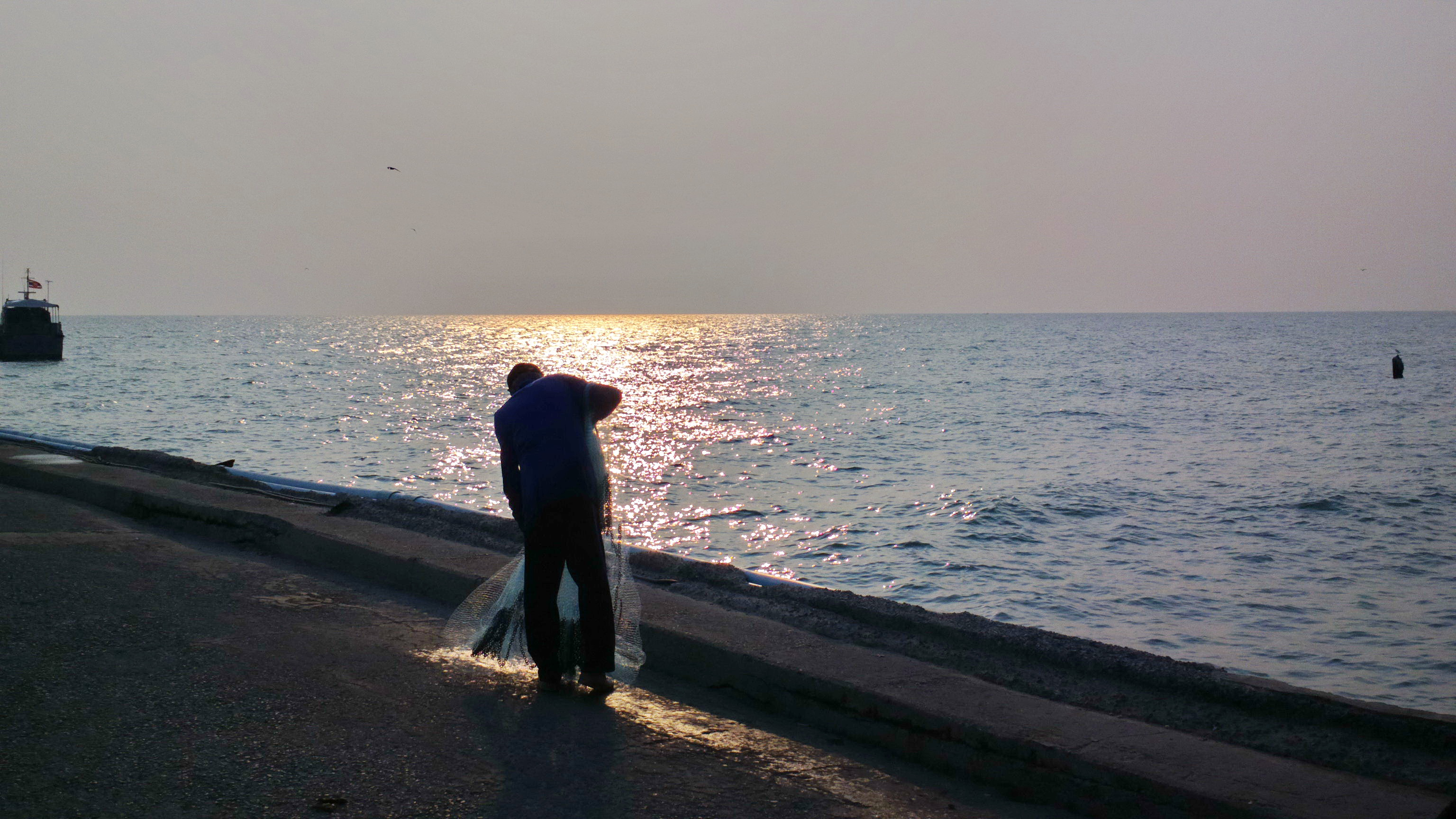 Photos of places in and around hua hinthe hua hin pages for Pier fishing net